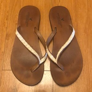 EUC American eagle size 8 leather sandals